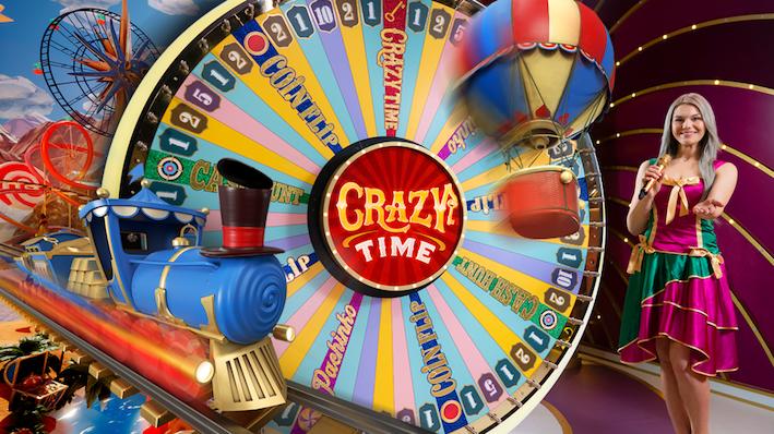 Crazy time onnenpyörä jonka vieressä juna, kuumailmapallo ja kaunis live-juontaja nainen